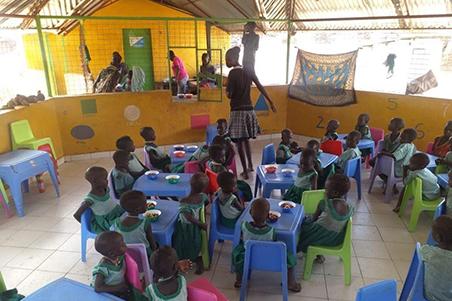 Comedor infantil en Turkana