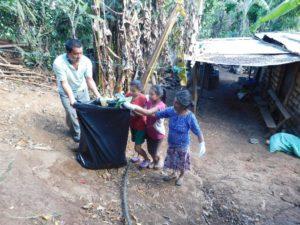 Recogida basura Ahuachapán. El Salvador